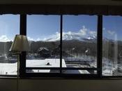 高層階プレミアムルームからは四季折々の浅間山の前傾が楽しめます