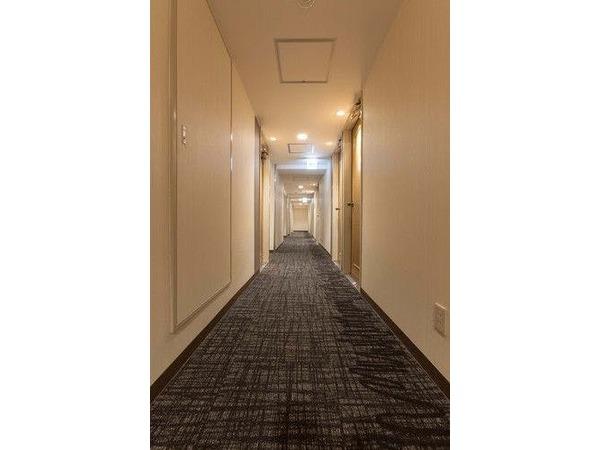 客室フロアの廊下(一例)