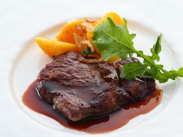 *【ご夕食 基本コース お肉料理一例】