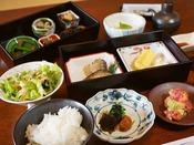 ■確かな味に品を備えたご朝食(一例)