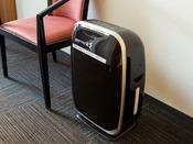 <客室設備>加湿機能付き空気清浄器 全室完備