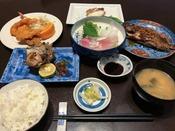 *【和食膳全体一例】お刺身、酢の物、焼き物、煮物、主菜、お吸い物、ご飯、香の物などをご用意