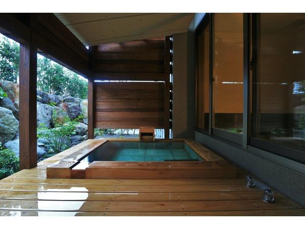 メゾネット客室用露天風呂一例