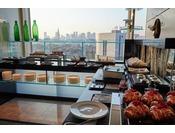 【エグゼクティブハウス 禅】専用のエグゼクティブラウンジで提供する計6回のフードプレゼンテーション朝食/モーニングスナック/ランチ/アフタヌーンティー/オードブル/ナイトキャップ&チョコレート