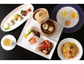 """中国料理「大観苑」多くの美食家に愛されてきた""""王道主義""""を掲げる本格上海料理店11:30~14:00/17:00~20:00ザ・メイン16階"""