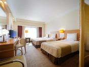 トリプルベッドでも狭さを感じない35平米のゆとりある空間が、快適な旅を演出します。