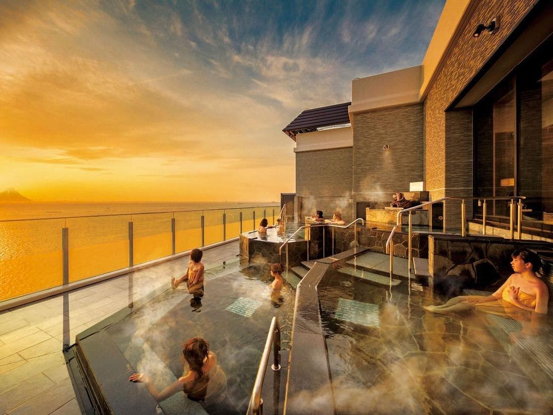 *【富士見亭 最上階 5種の段々露天風呂天の川(一例)】夕日を眺める絶景タイムを露天風呂で。