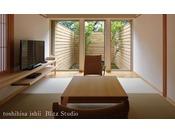 【別邸をりから|折桜の間】1階には庭園の見える和室がございます。