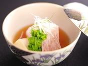 【春の旬彩膳】温物:柳ばちめ煮付け 高野豆腐 絹さや 細竹 大根 粉山椒