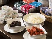 <朝食バイキング>ごはんのお供も各種ご用意しております(広島菜着・広島のり佃煮もあります♪)