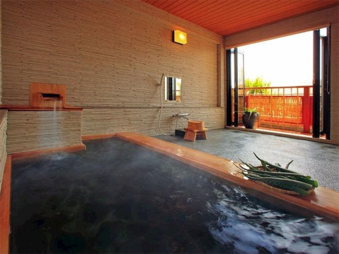 *当館自慢のアロエ風呂。