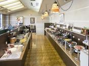 <朝食バイキング>2階レストラン「ベランダ」 館内2階 毎朝6:30オープン~9:30クローズ