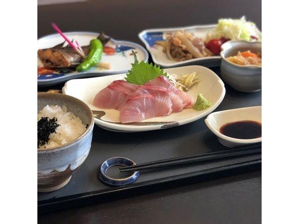 *【和食膳全体一例】美味しい海の幸中心