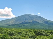 【ホテル・パノラマテラスからの景観】国立森林公園のシンボル浅間山