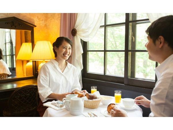 朝食はお部屋にて