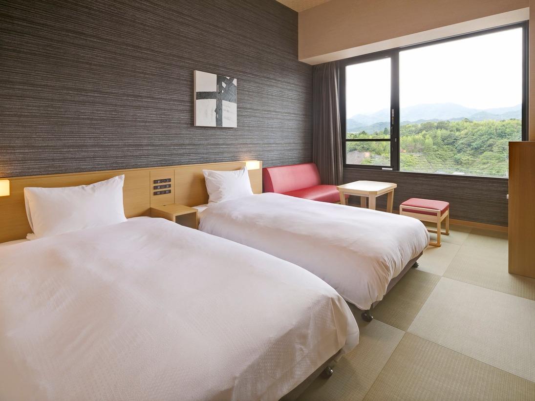 <客室>ツイン◇禁煙【山側】(21.1~23.5平米・ベッド幅110cm)