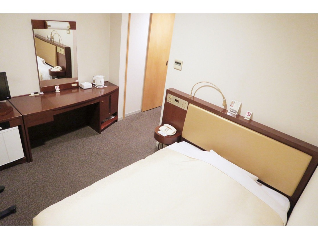 機能的でコンパクトなお部屋は、ビジネスはもちろんその他にも幅広い目的でご利用いただけます。