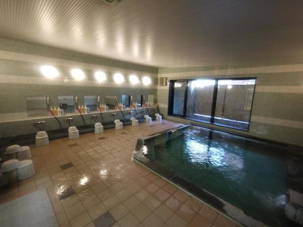 活性石人工温泉大浴場「旅人の湯」男女別