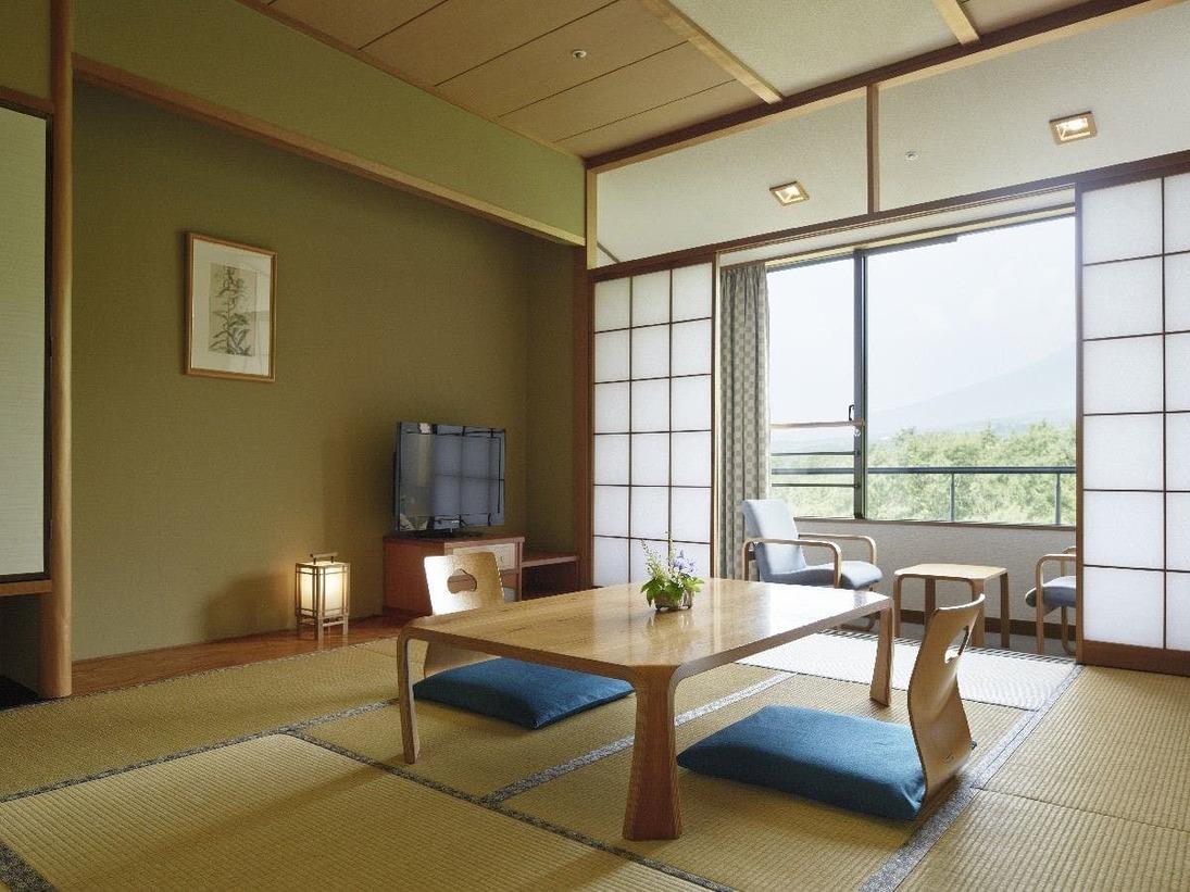 和室(10畳/42.7平米)お子様も安心ゆったりルームですWIFI無料対応可。