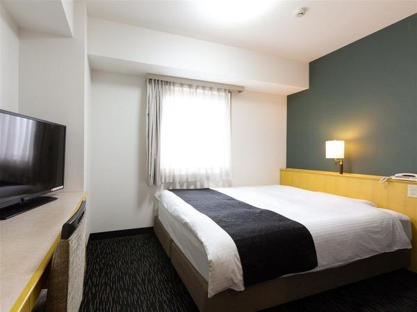 ダブルルーム ベッド140×210cm