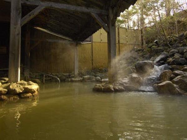 源泉かけ流しの湯「鬼押温泉」
