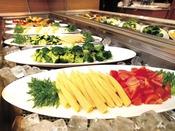 【朝食ブッフェ】グリーンサラダ。新鮮なお野菜をたっぷりと。