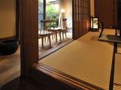 2間続きの和室には土間付、板間付の2タイプございます
