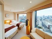 メインタワーコーナーツインルーム(28~34階)面積:26.5平米 ベッドサイズ:110×195×58