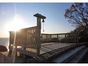 西浦温泉開湯50周年を記念して設置された展望台で、それぞれ西浦園地・万葉の小径にあります。 三河湾を一望できる絶景を眺めながら、希望の鐘・真実の鐘を鳴らしてみませんか。