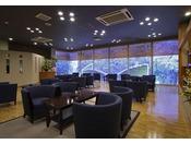 ロビーに併設されたティーラウンジ【茶房《流》】ではゆっくりとティータイムをお楽しみ頂けます。
