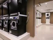 メインタワー9F「コインランドリー」品川プリンスホテルご宿泊者専用(24時間営業/洗濯機14台、乾燥機14台、洗剤自動販売機2台)