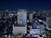 品川駅より徒歩約2分!ホテルとエンターテインメントの融合をテーマに3560室の客室と、水族館・アトラクション・シネマ・ボウリング・カラオケ等のエンターテインメント施設も備えております。