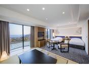 3階に位置する54平米の和洋室 アクセシブルは、ツインベッドとソファセットが配された洋室と和室からなる広々とした空間で、2名様から5名様までご利用いただけます。
