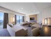 ホテル内に1室のみ、3階のセンターに位置する68平米の洋室。ツインベッドが配された広々とした空間で、2名様でご利用いただけます。