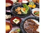 ・朝食・ 味めぐり小鉢横丁~ご当地逸品と朝の彩り御膳~