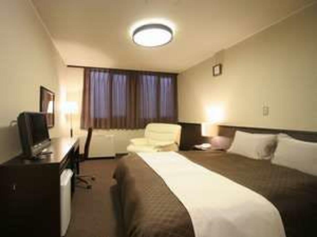 ■ クィーンベッドルーム ■広いベッドでゆったりと寛げます!