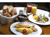70階 スカイラウンジ「シリウス」朝食イメージ