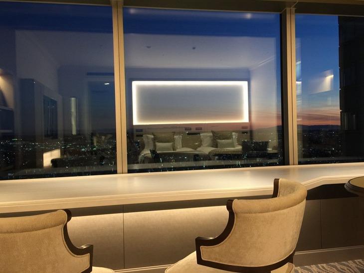 【Tポイント1%】【素泊まりプラン】大人気!60階~64階・窓際カウンター付アトリエルームにご宿泊 !!