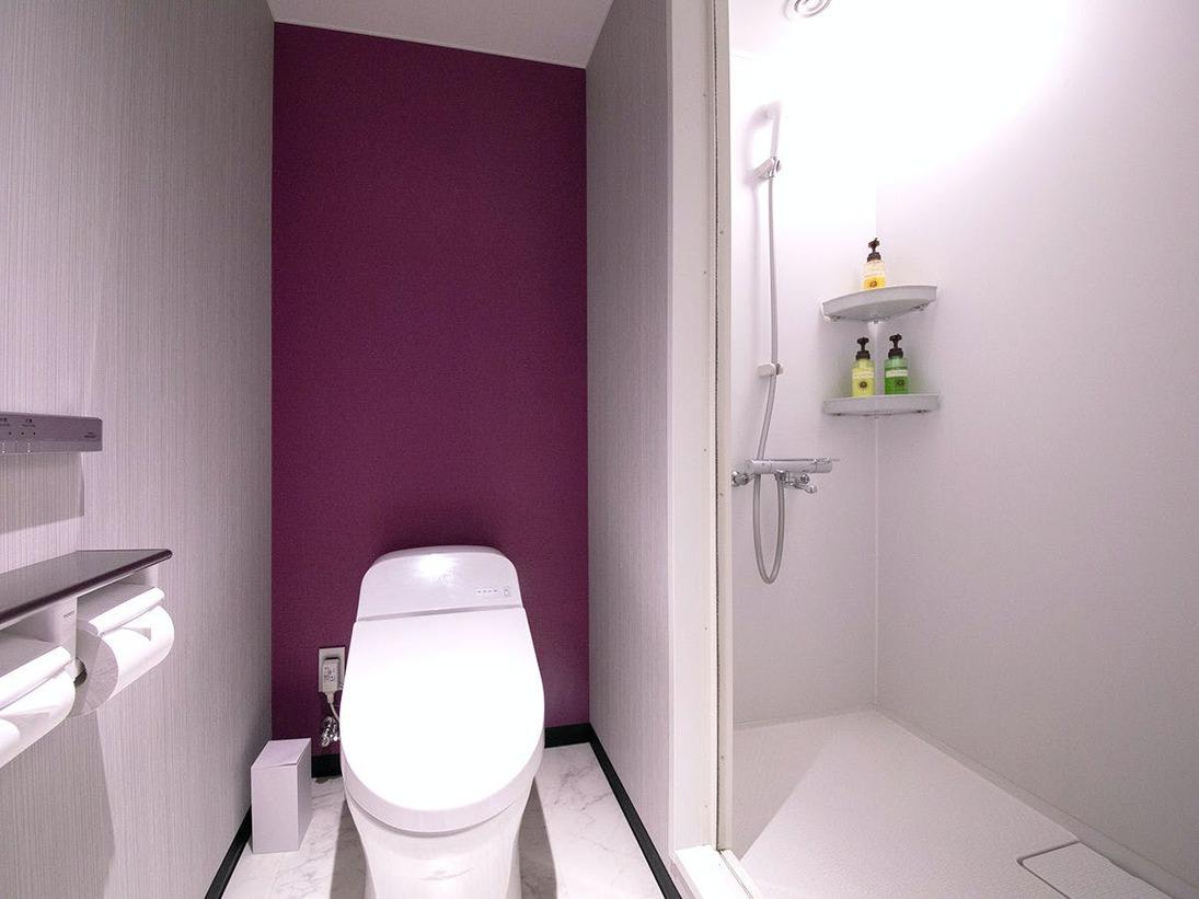 ◆シャワールーム◆Premium class客室のシャワールーム。B1Fの大浴場もご利用ください