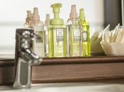 <展望大浴場 女湯>アメニティー 脱衣所に、洗顔料、化粧水、乳液取り揃えております