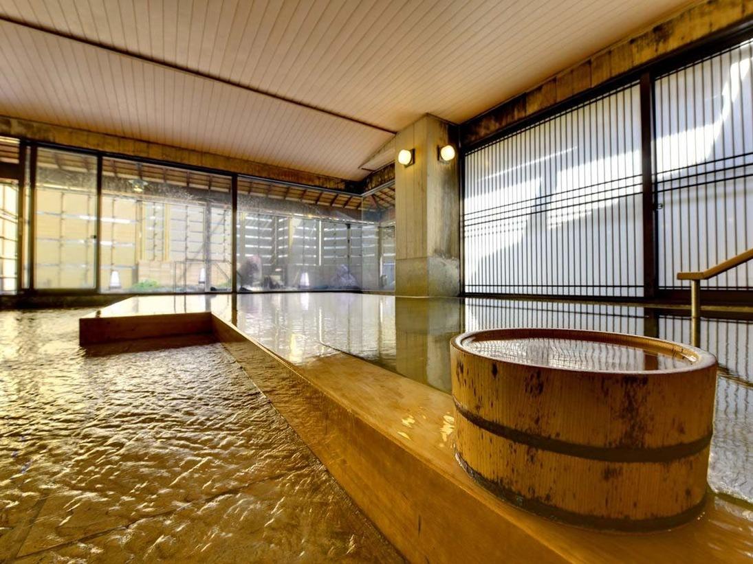 当館は高温の自家源泉を所有。加水や機械加熱一切しておりません。とても新鮮な温泉をご堪能いただけます。