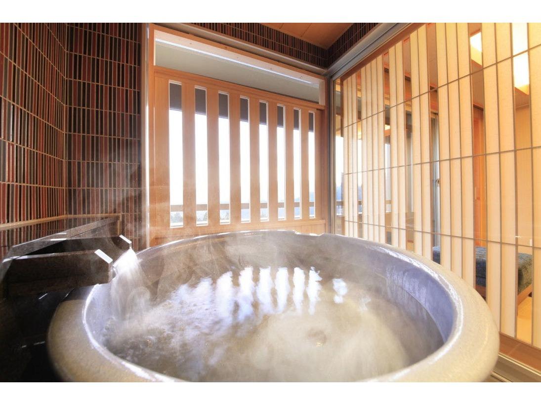 【最上階】源泉かけ流し露天風呂付客室+3シモンズベッド+シャワー+シャワートイレ※禁煙※Q