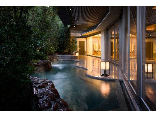 森のお風呂「オリーブ」露天風呂