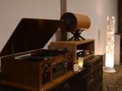エムズシステム 波動スピーカーは支配人こだわりの一品。ジャズが流れるロビーで寛ぎのひと時を、、