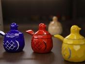◎鳩の形をした砂糖壺と香合は、大正時代に上田で生まれた工芸品。愛らしい表情が人気です♪