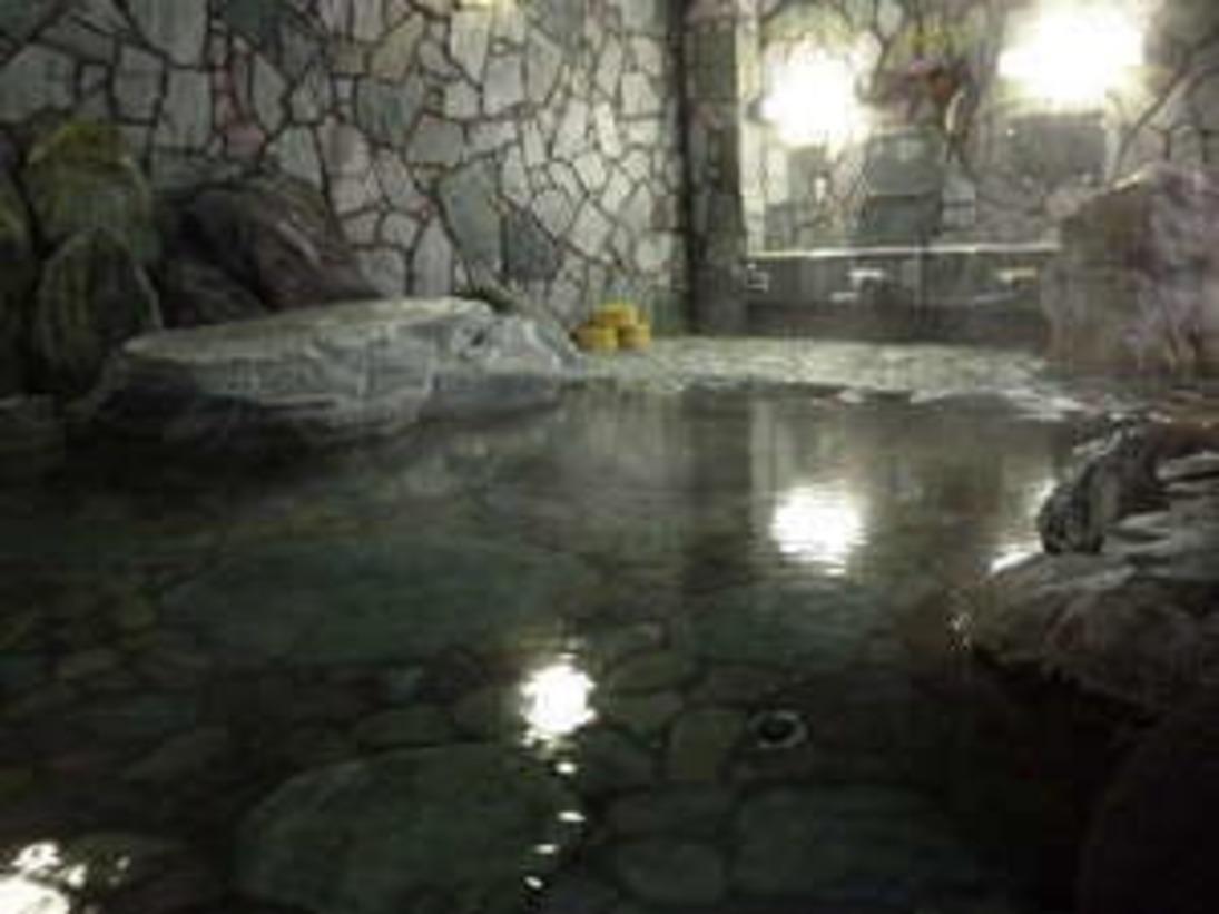 広々とした貸切家族岩風呂