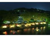 【周辺観光】千秋公園のライトアップされたツツジ