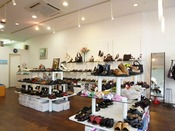 【ラ・ビアン】婦人靴ブランドを多数取り揃えております。