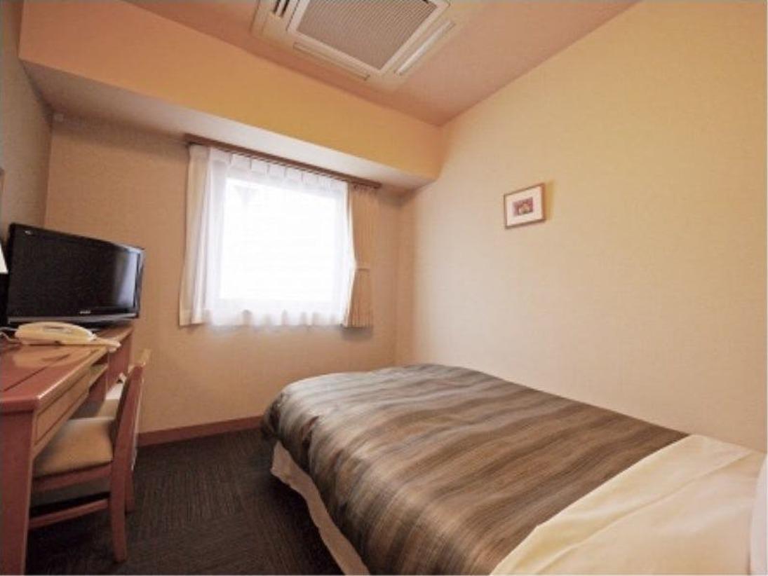 【シングルルームB】ベッド幅140cm