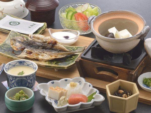 【料理・通年メニュー】(朝食一例)